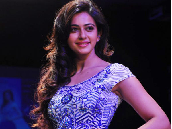 Rakul Preet Singh Walks The Ramp At Lakme Fashion Week 2014
