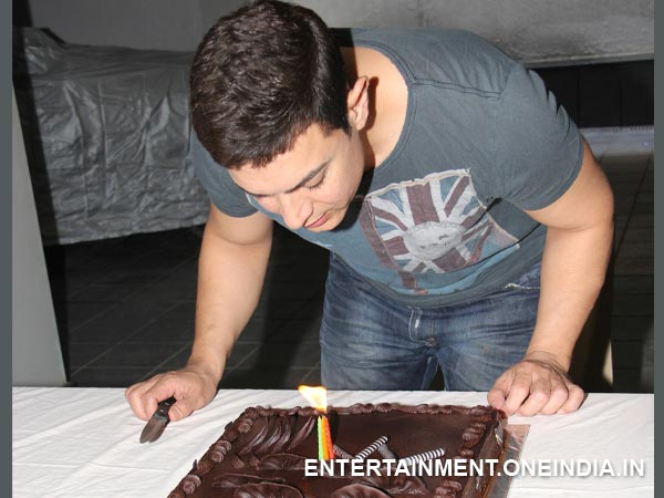 Aamir Khan Celebrates His Birthday And Dedicates To His TV Show