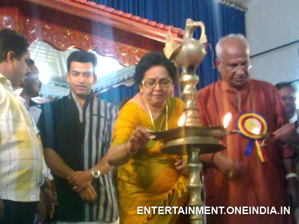 Mallika Sukumaran Lights The Lamp