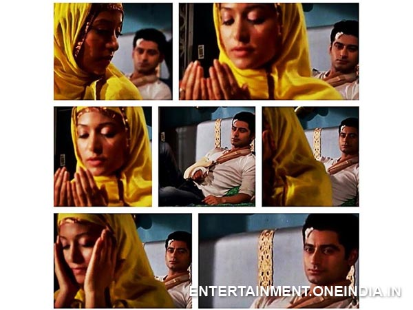 Aaliya Prays