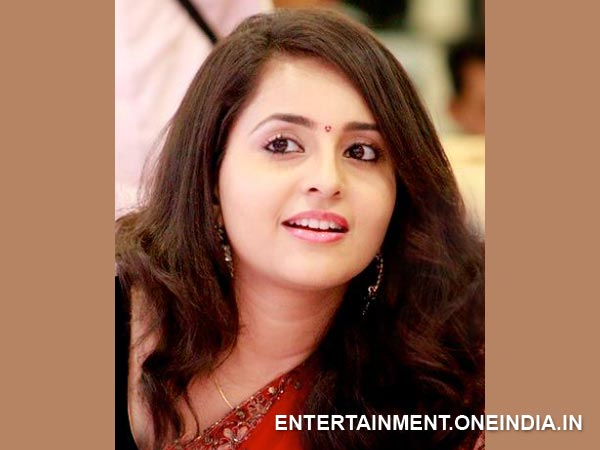 Bhama To Play A 15-Year-Old In Her Next! - Filmibeat