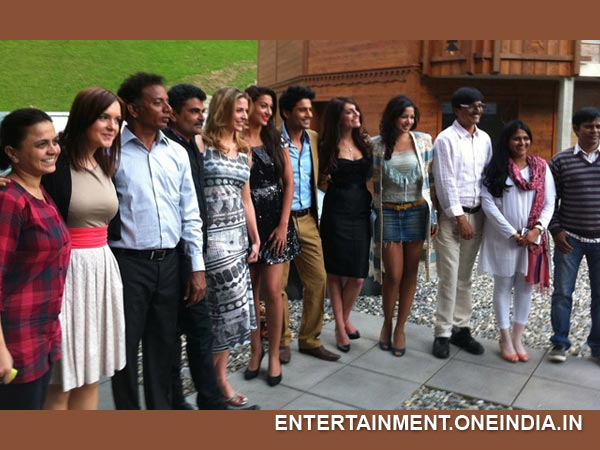 Gauhar With Fever Cast And Crew