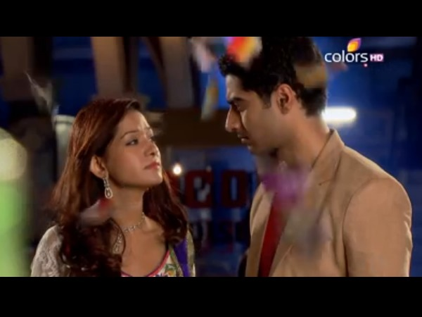 Aaliya Decides To Stay