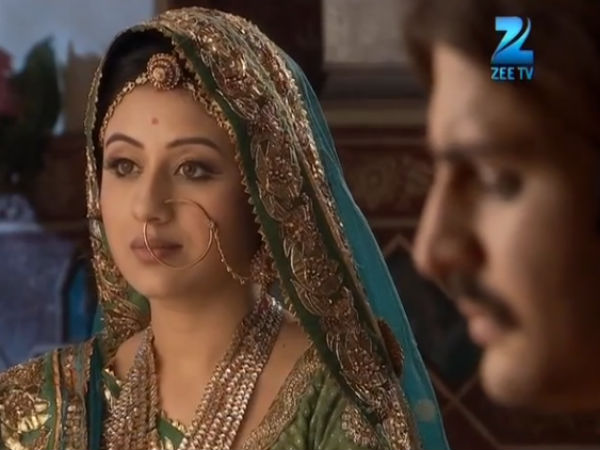 Jodha Praised With Jalal