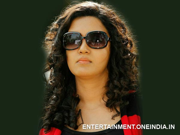 Honey Rose Baddie In Movie Ring Master