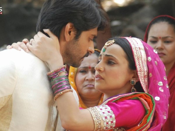 Paro proposes Rudra To Marry Her