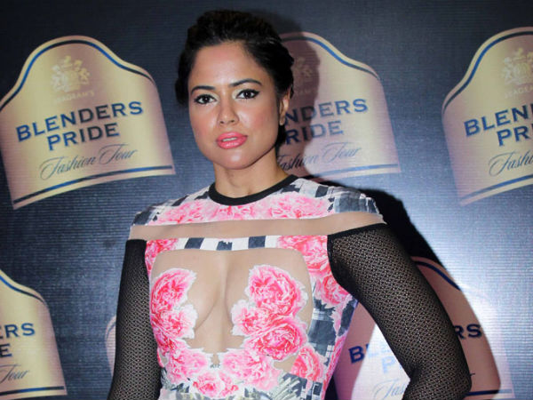 Sameera Reddy Enjoying Honeymoon Period
