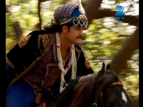 Jalal Goes After Dilawar