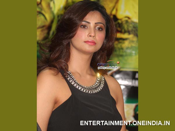 Daisy Shah Is The Spook In Aakramana Movie