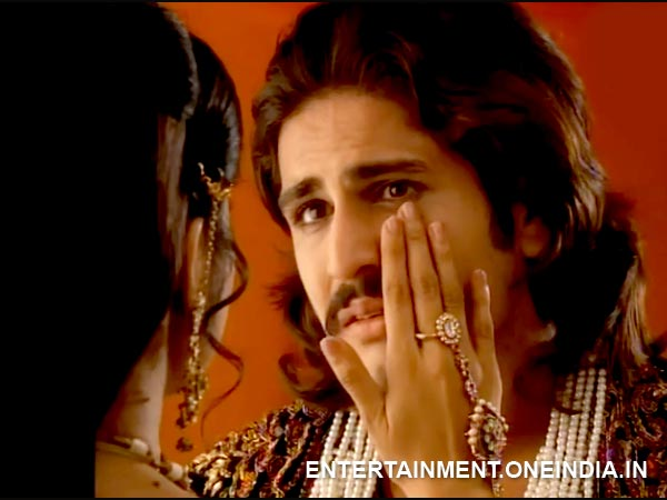 Jodha Brushes Away His Tears
