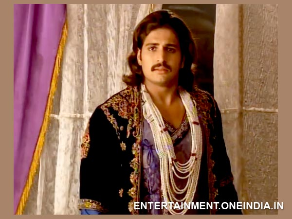 Jalal Rushes To See Jodha