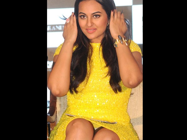 Sonakshi Sinha Oops Moment