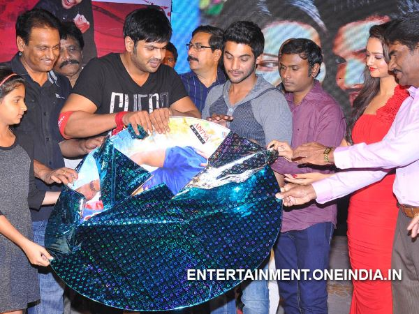 Manchu Manoj Unveiling Model Of PMP Music CD