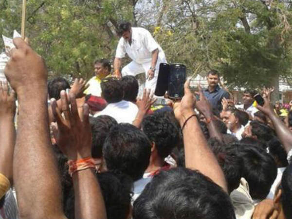 Balakrishna Shaking Hands With Fans