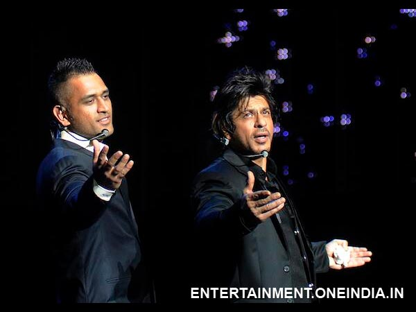 SRK And MS Dhoni Posing