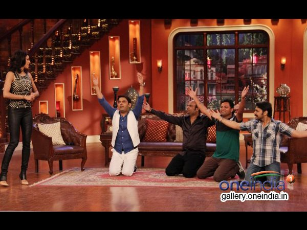 Kapil And Others On Knees