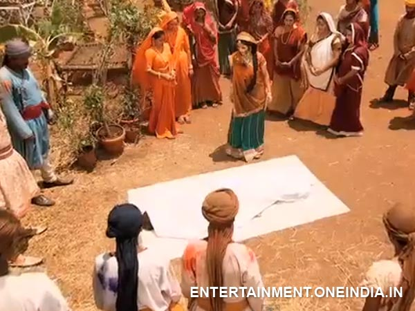 Jodha Looking At A Dead Person