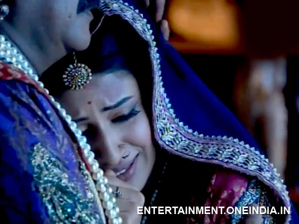 Jodha Decided To Leave With Him