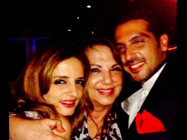 Sussanne Roshan With Mom And Bro