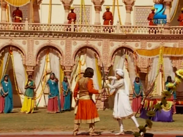 Sword Fight Between Jodha And Jalal