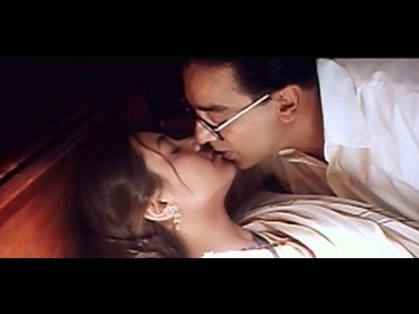 Photo: Kamal Hassan-Rani Mukherjee's Famous Smooch