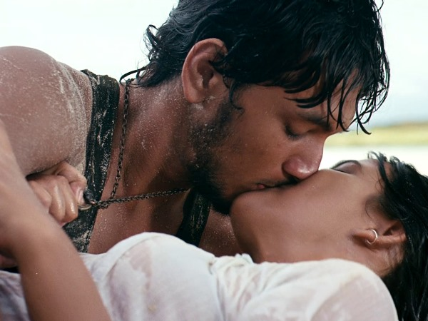 Photo: Gautham Karthik-Thulasi Nair's Lip-Lock Scene
