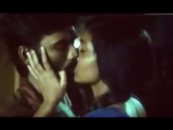 Photo: Dhanush-Parvathi's Kiss Scene