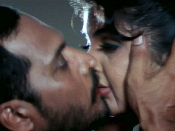 Photo: Ramya Krishna's Kiss Scene With Nana Patekar