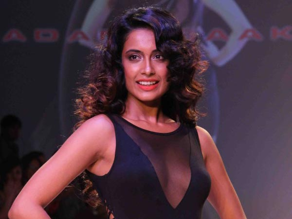 Sarah-Jane Dias In Telugu Movies