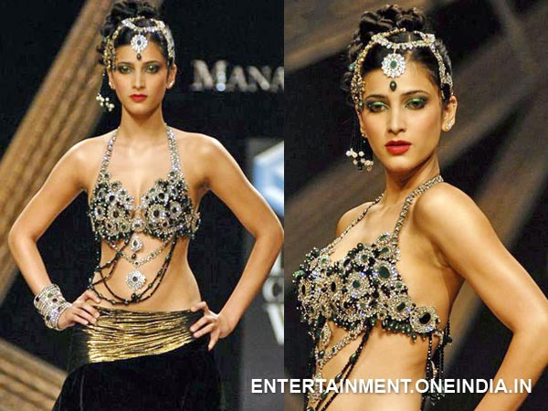 Shruti Hassan At HDIL Couture Week