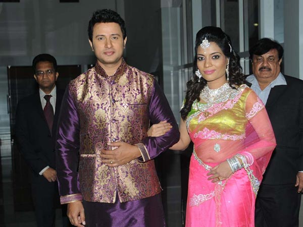 Raja Abel, Amritha Arriving At Wedding Reception In Hyderabad