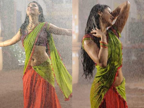 Wet Shruti Hassan's Hot Expression