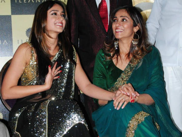 Ileana With Her Mother Samira