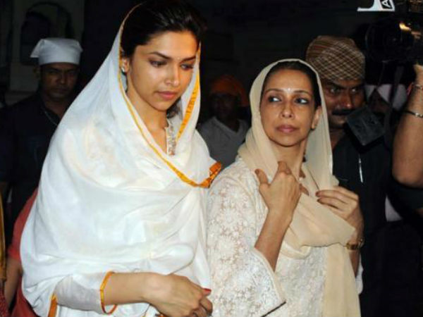 Deepika Padukone With Mother Ujjala