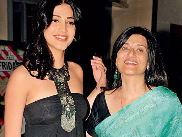 Shruti Hassan With Her Mom Sarika