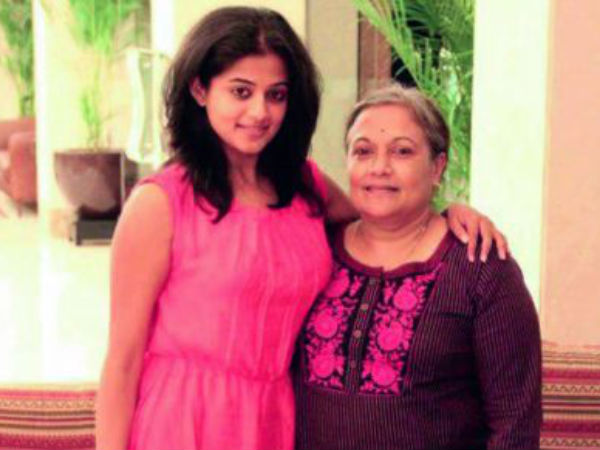 Priyamani With Her Mom Latha