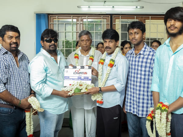 Pisasu Team Posing For Camera With The Clap