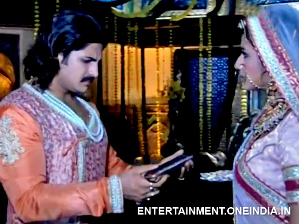 Jalal Bows In Front Of Jodha