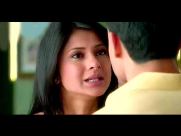 Kumud Suggests Saras Not To Accompany Her
