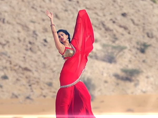 Red Hot Sunny Leone In Saree: Sari Wali Girl Song