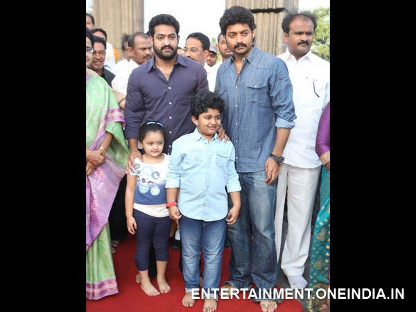 Kalyan Ram, Jr NTR At NT Rama Rao 91st Birth Anniversary