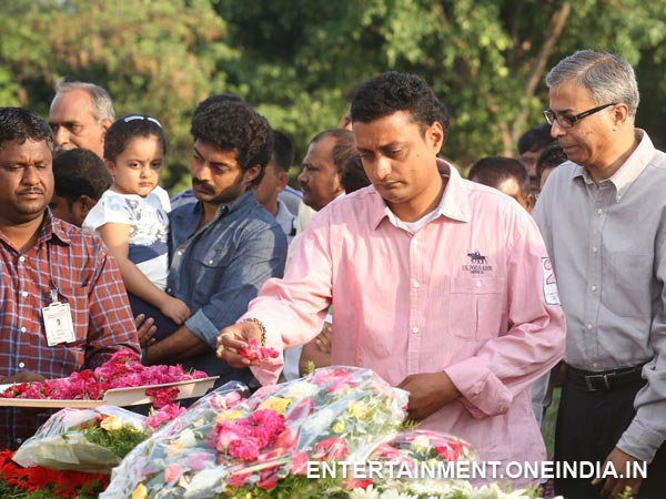 Janaki Ram Offering Flowers To Late NT Rama Rao