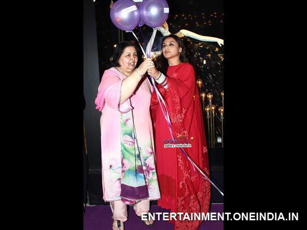 Rani, Mother-In-Law And The Ballons