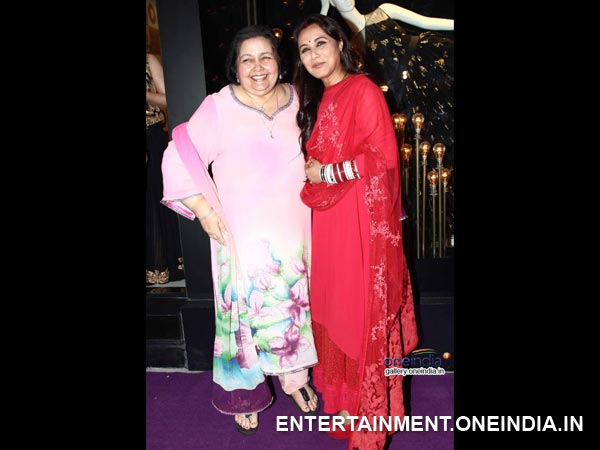 Rani Mukherji With Mother-In-Law
