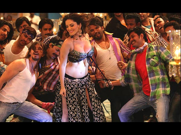 Laila Teri Loot Legi:Shootout At Wadala