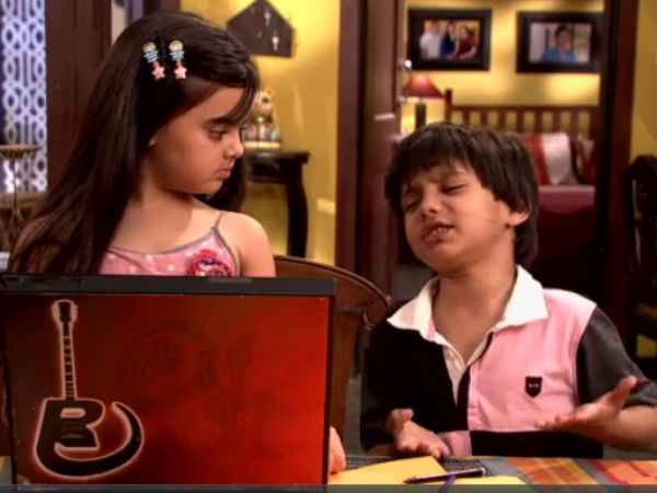Ruhi Shravan With Romi's Laptop