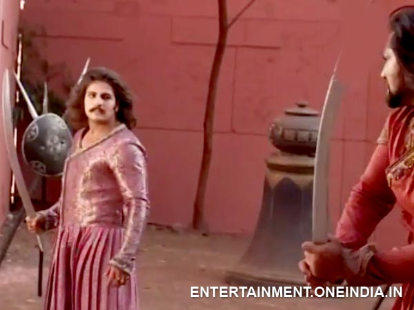 Adham Khan Fights Jalal