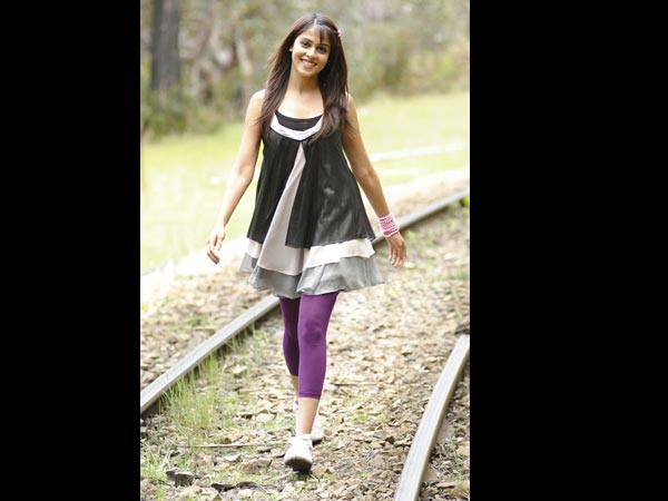 Tamil Actress Genelia D'souza's Height