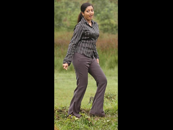 Tamil Actress Gopika's Height