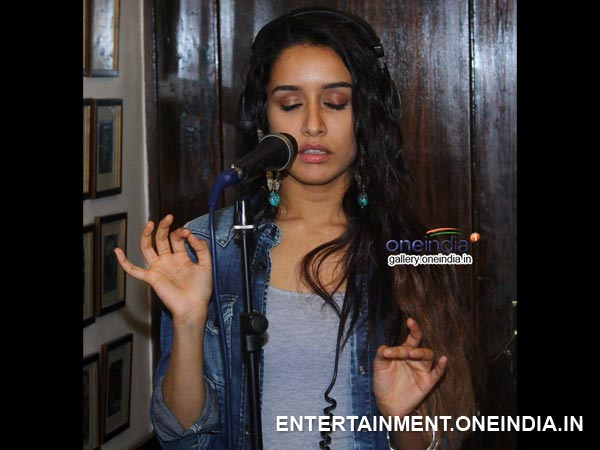 Sharaddha Sings